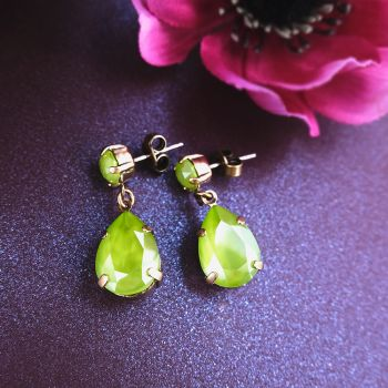 Goldene Ohrstecker Tropfen mit Kristallen von Swarovski® Crystal Lime Nobel Schmuck